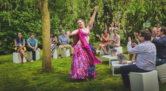 Buikdanseres optreden Queenie